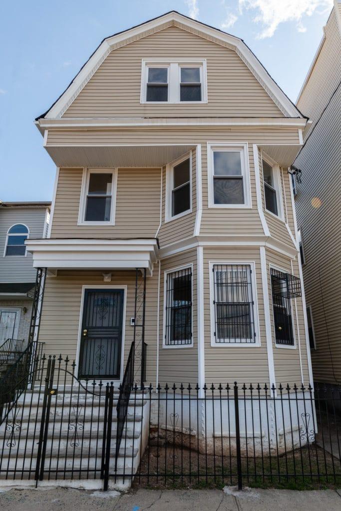 3 Family House in Newark, NJ